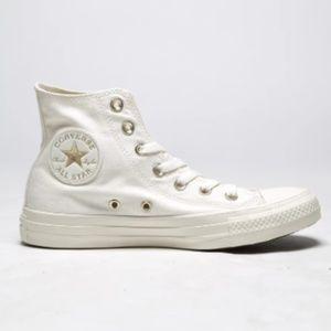Converse // Chuck Taylor All Star High Tops NWT